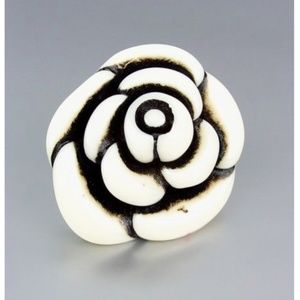 NEW Artisanal Chunky Creme Resin Flower Ring